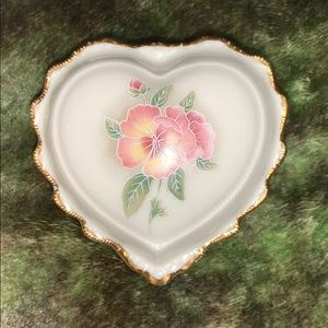 Jewelry box porcelain by heritage house.
